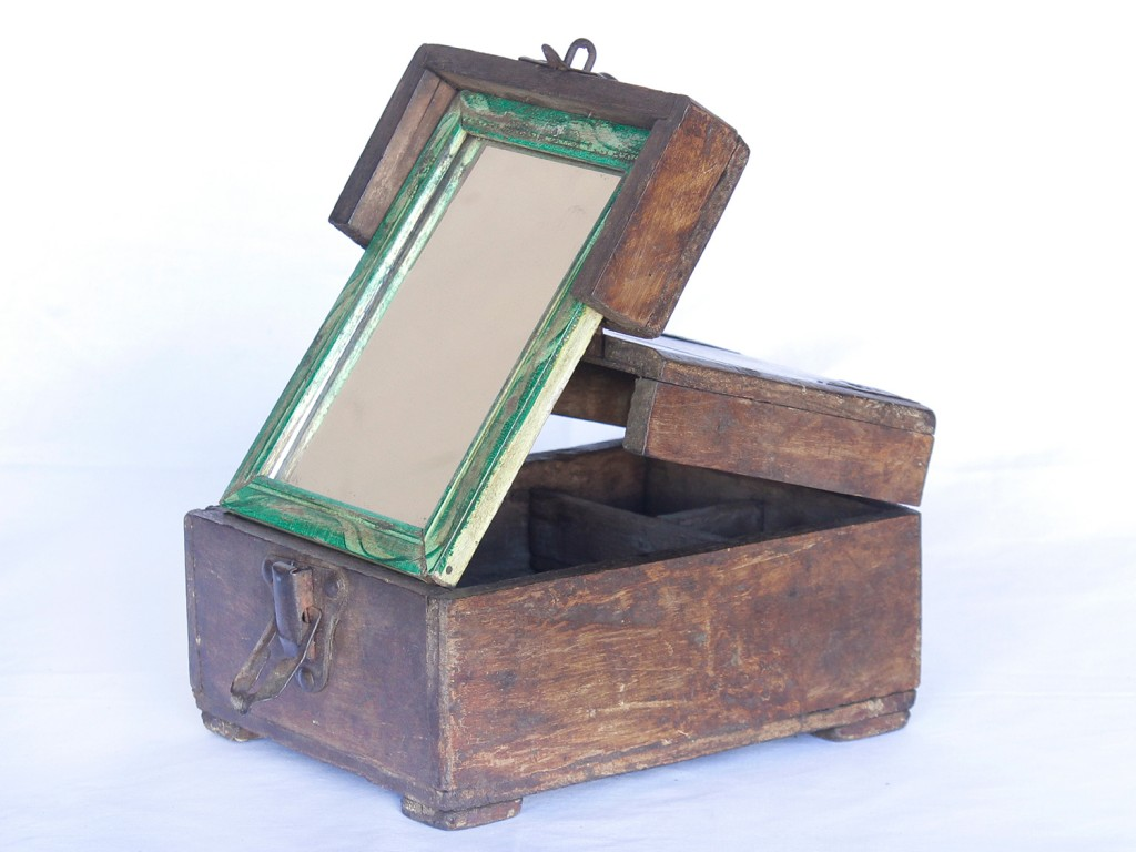vintage shaving box