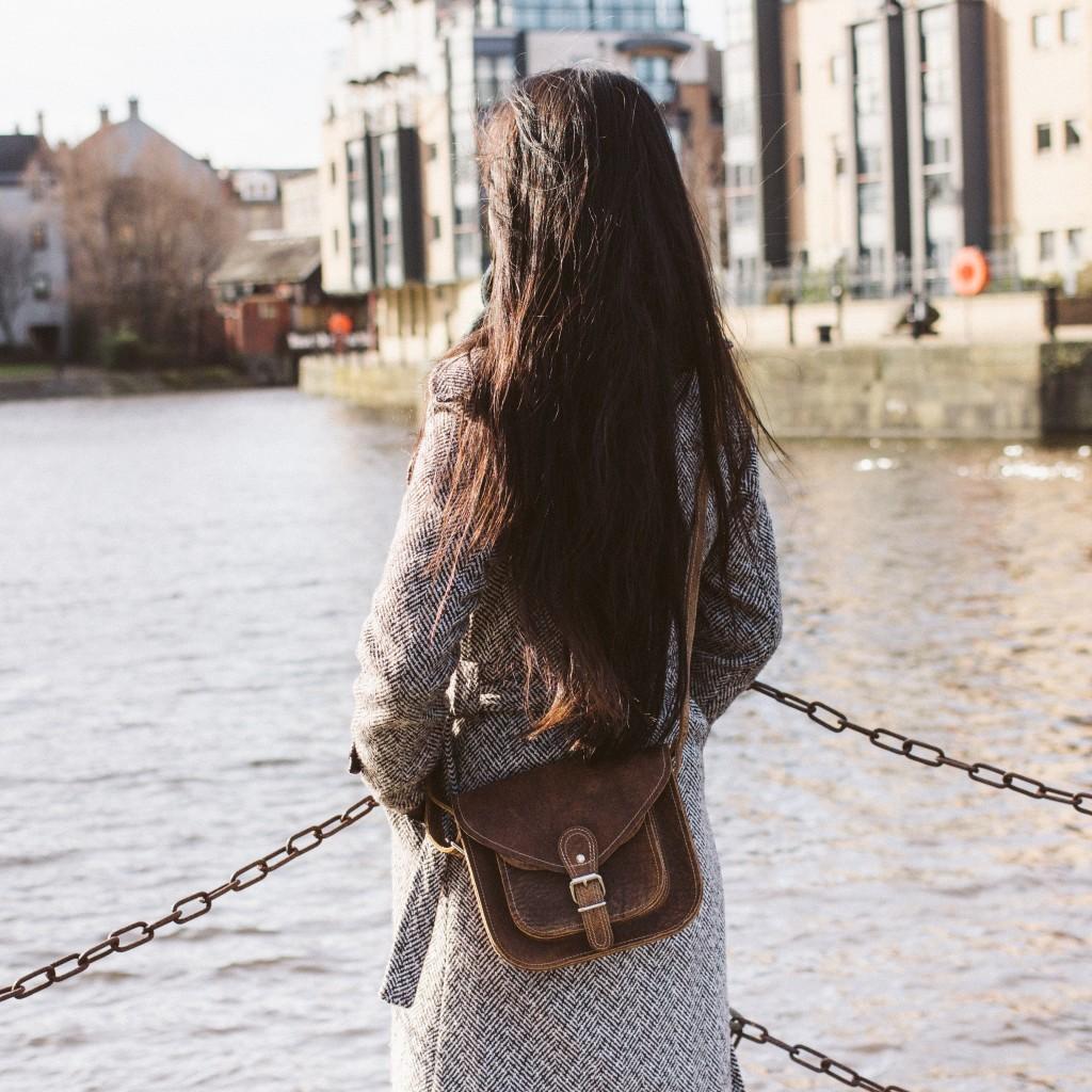 womens leather bag scaramanga