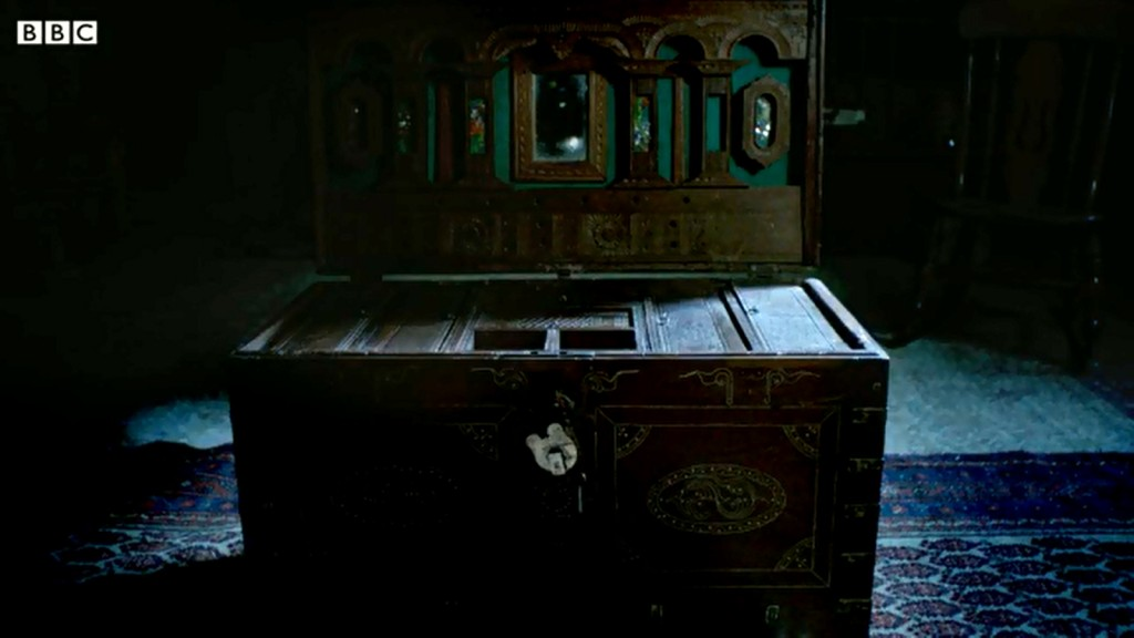 wooden-chest-remember-me-2