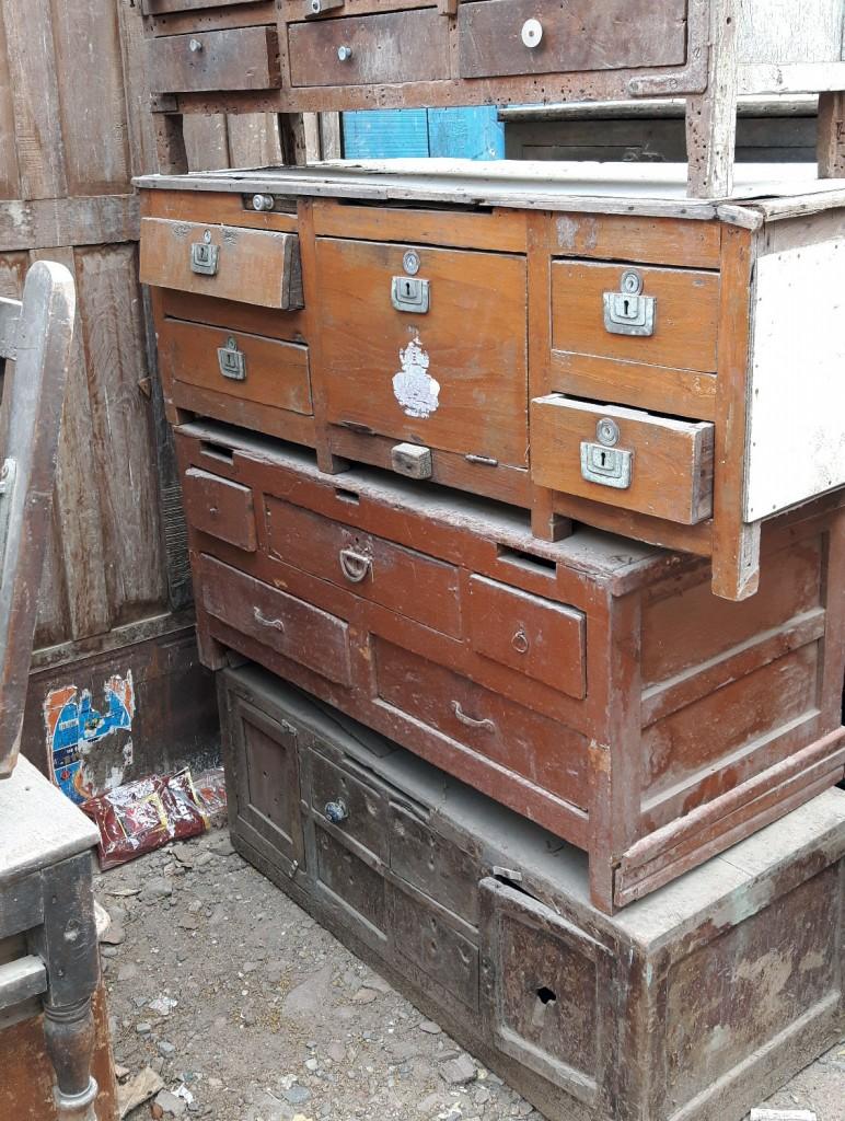 vintage furniture hunter