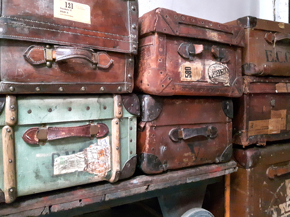 vintage travel trunks can be used as storage trunks