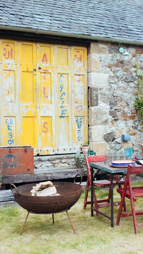 garden furniture   garden party   Scaramanga