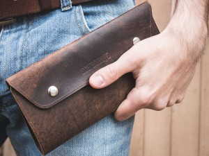 OLGS15027-leather-travel-wallet