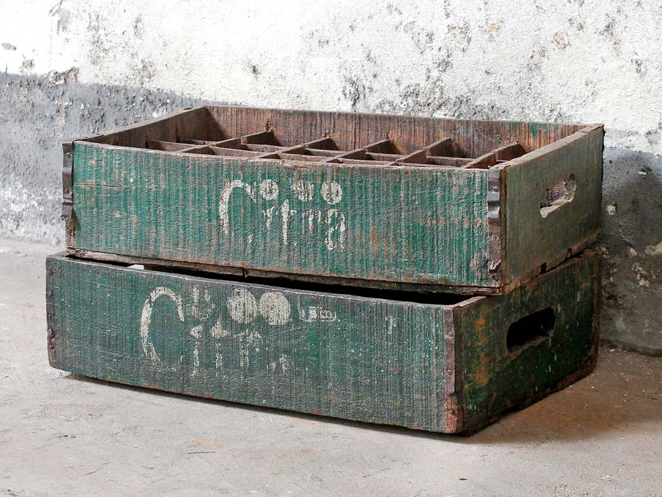Vintage Citra crate with wooden sections