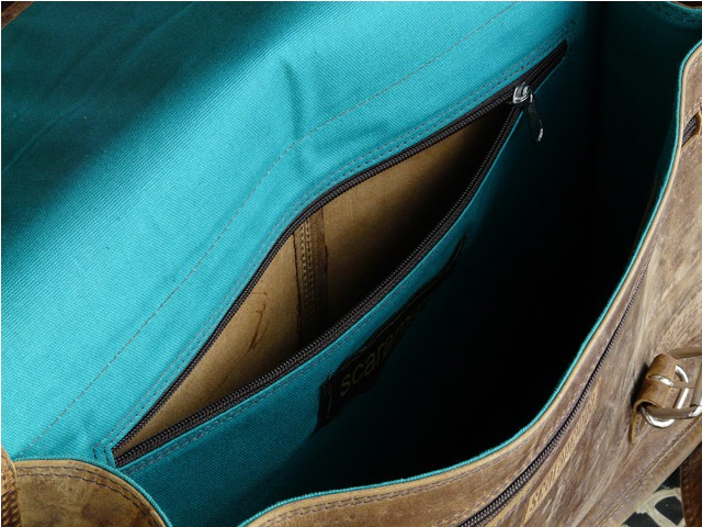 Our bags feature great internal pockets, ideal for all those smaller items