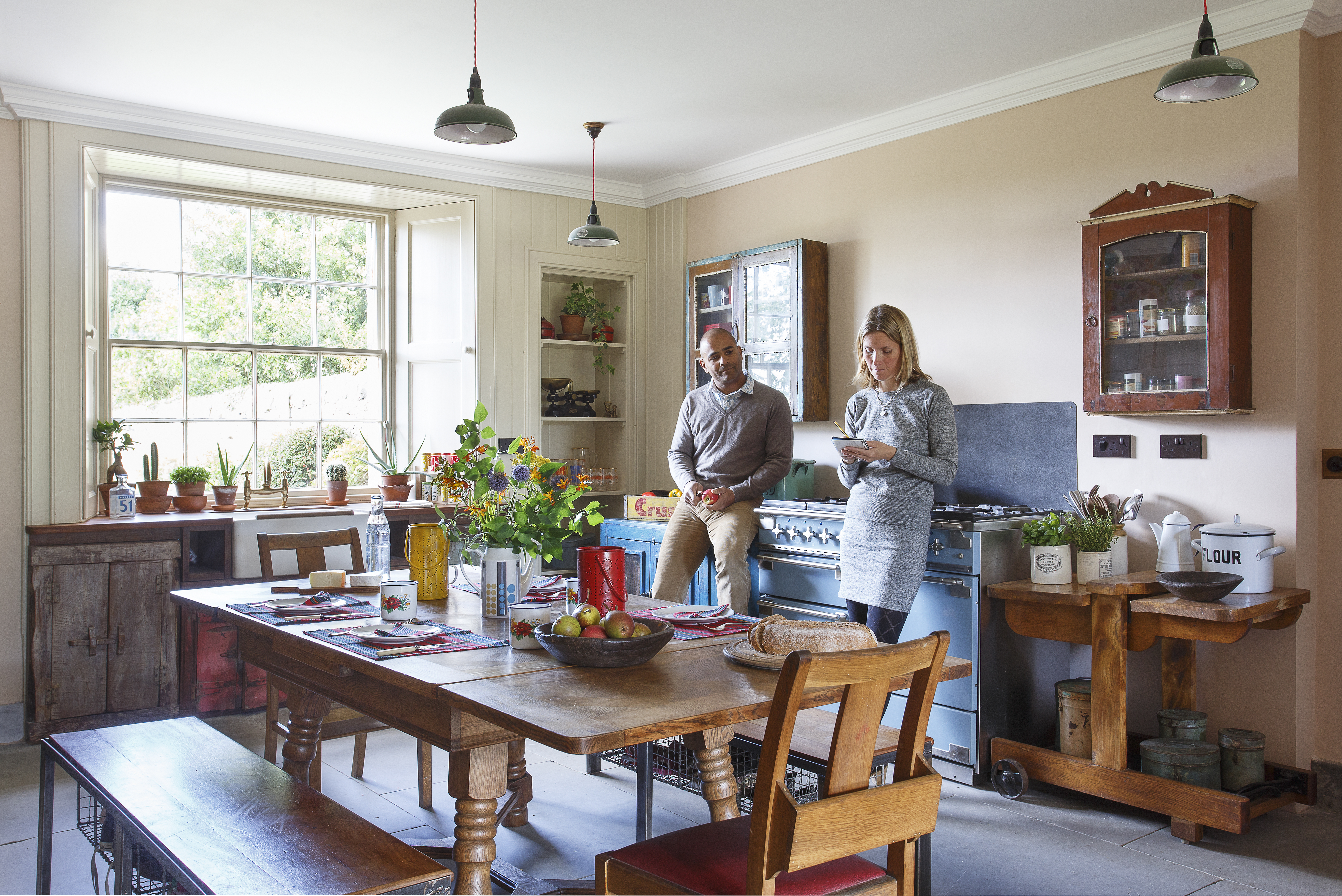 A Home Tour In Period Living