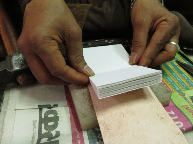 Each Journal contains 20 sheets (40 sides) of handamde treeless paper.