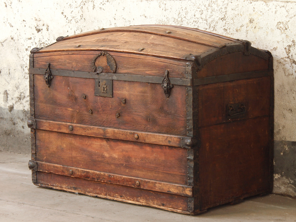 1890s leather travel trunk makes an authentic pirate's treasure chest