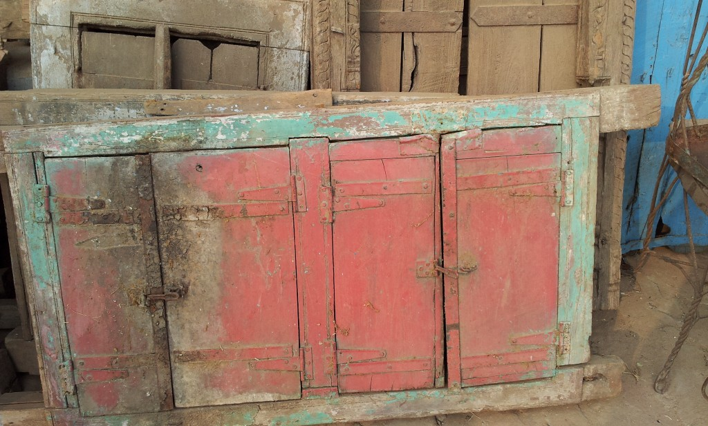 Antique window frame in its original salavged condition. We just gave it a good wash to bring a little of the colour back.