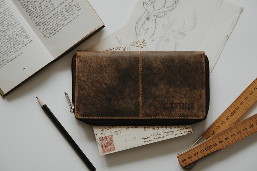 Scaramanga Leather Purse