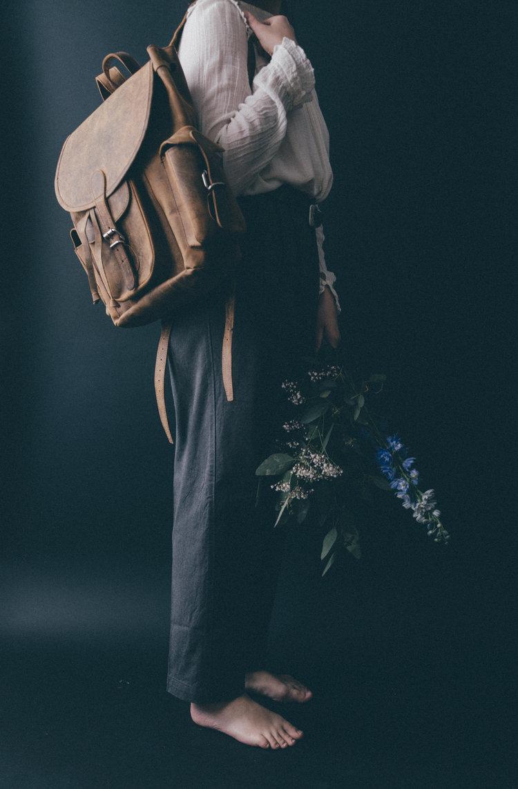leather backpack by scaramanga photos by @danielabistrain