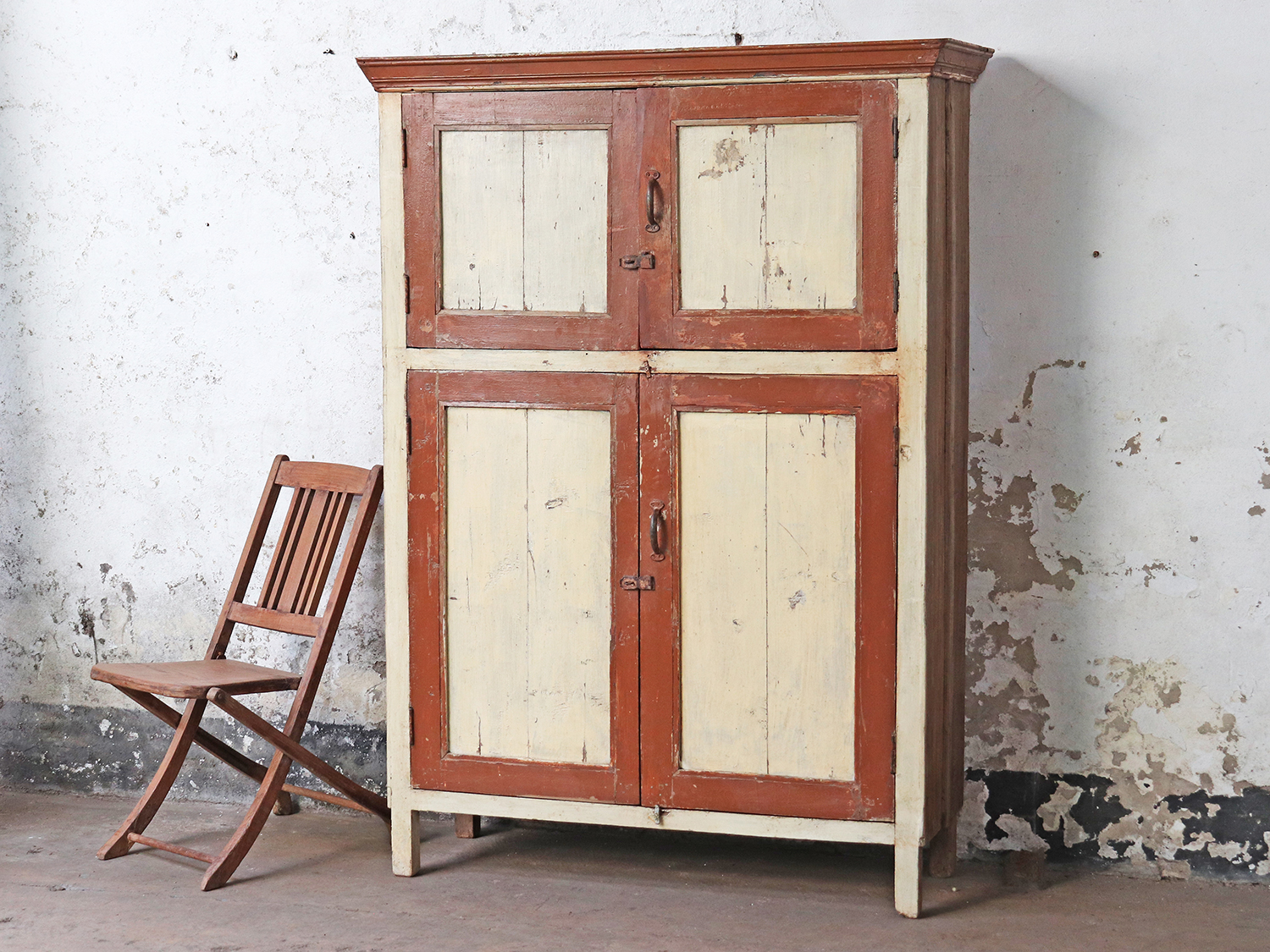 Large wooden cupboard. Perfect for that cottagecore touch