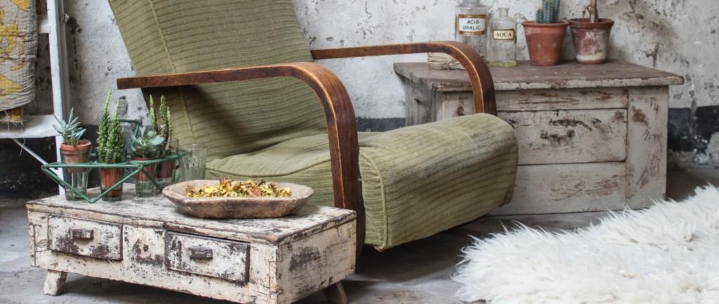 https://www.scaramangashop.co.uk/browse/c-Vintage-Tables-Desks-106/
