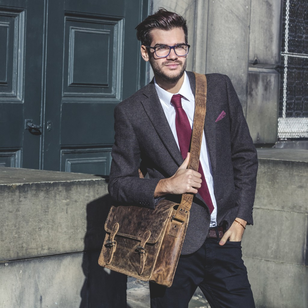 Leather satchel for men by scaramanga