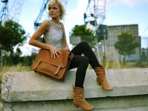 A new style medium wide satchel