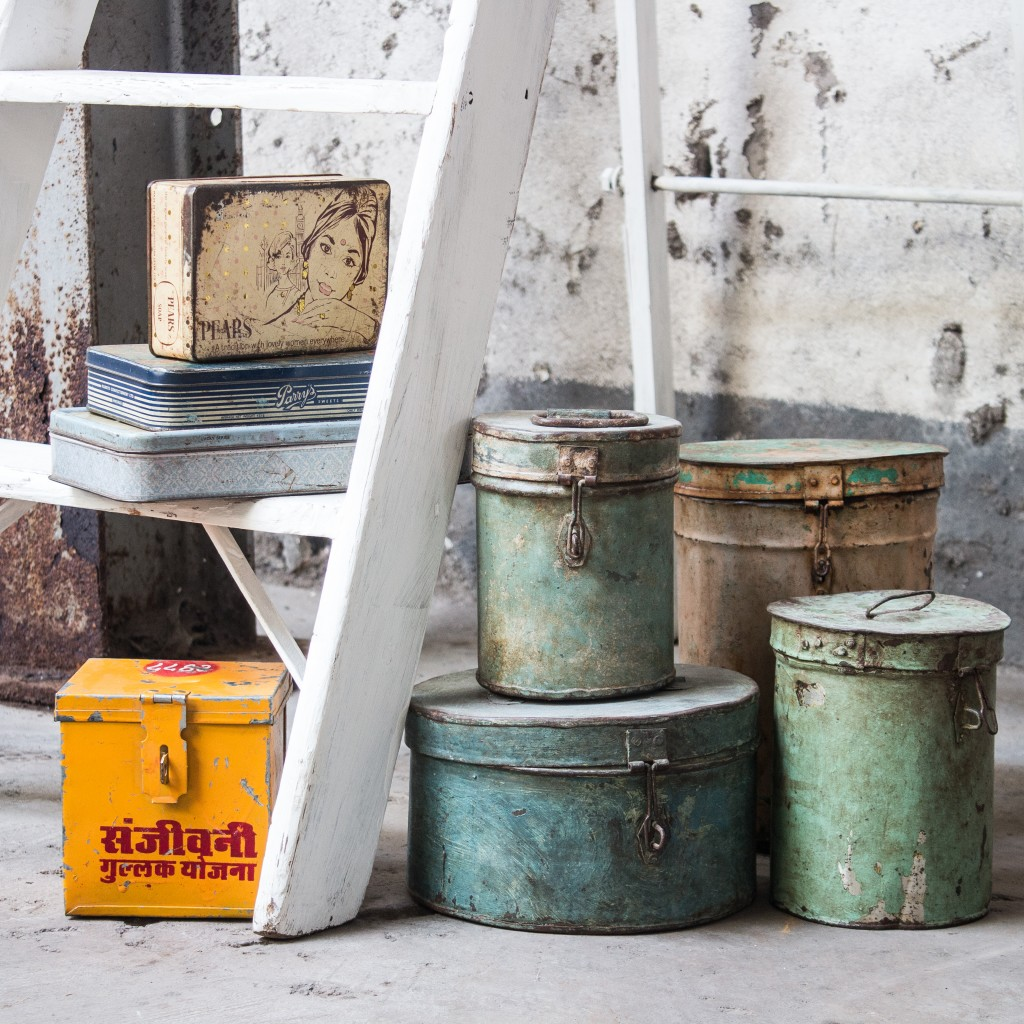 Vintage storage tins in lots of wonferful colours