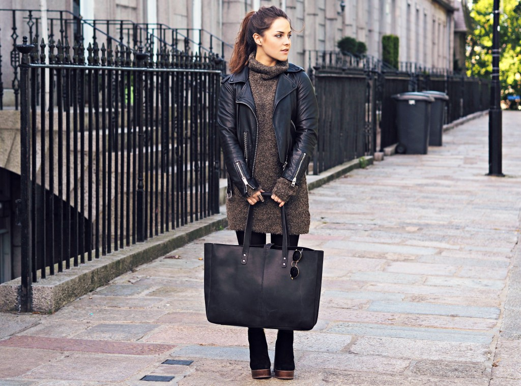 Our Shopper Tote is one of our newest styles, but has quickly become a favourite due to the spacious yet slim design.
