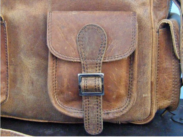 External buckled pocket at Scaramanga