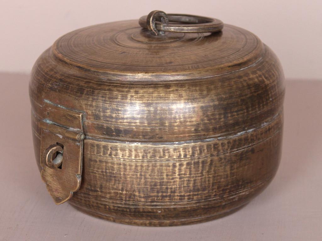 brass-chapatis-bowl-1-tlmt50380-1