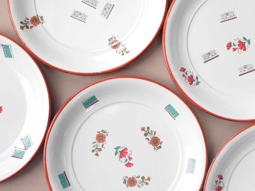 enamal plates