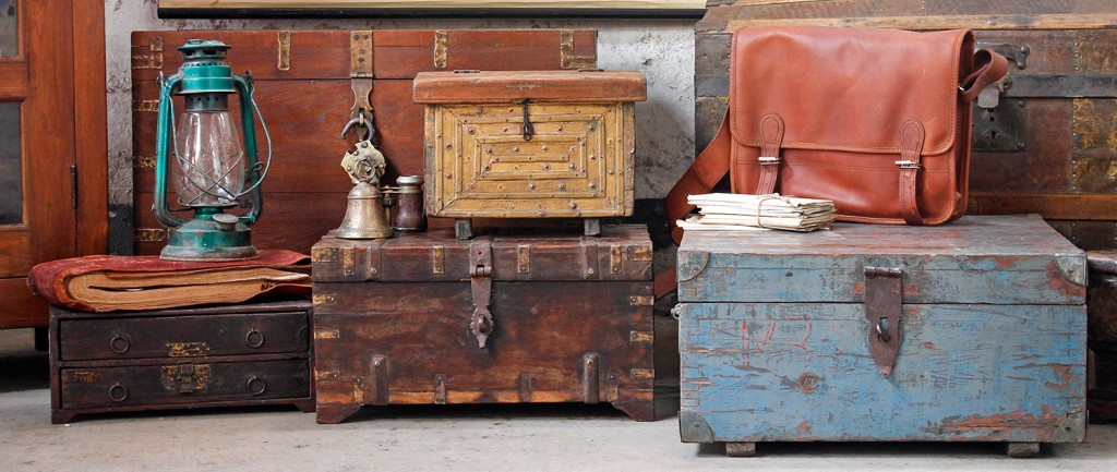 vintage furniture & interiors