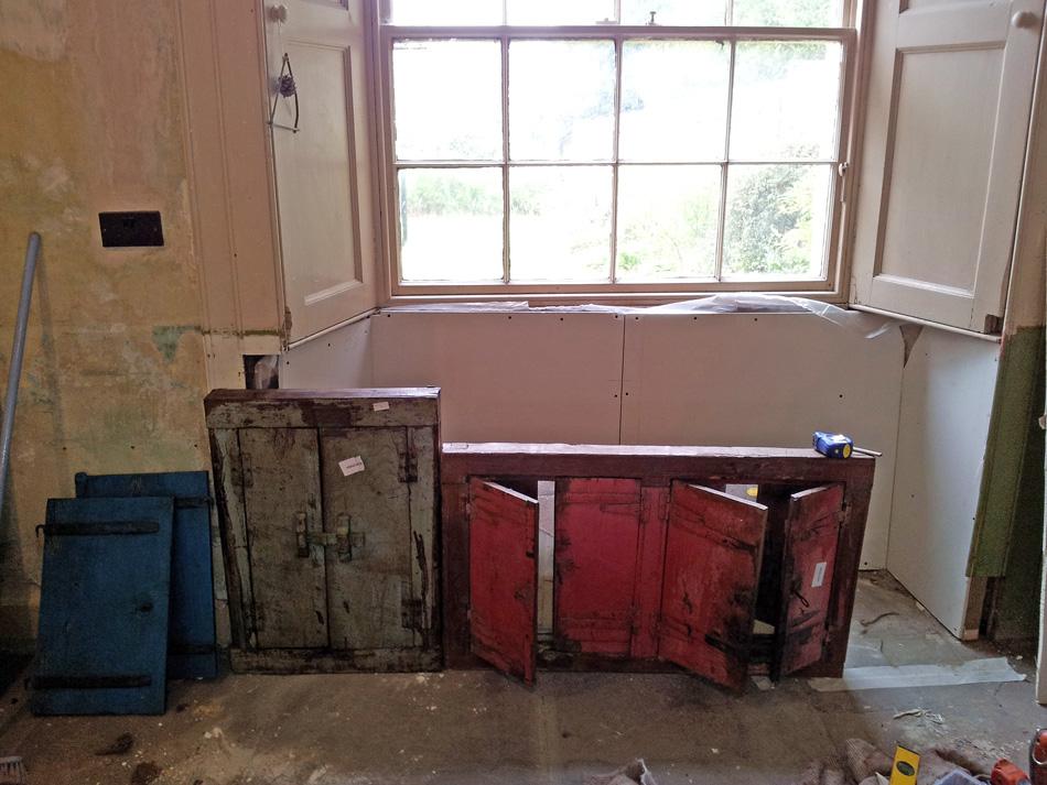 vintage styled sink cupboard