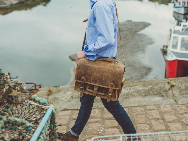 Follow the Scaramanga Satchel Guide to find a Successful Christmas Gift