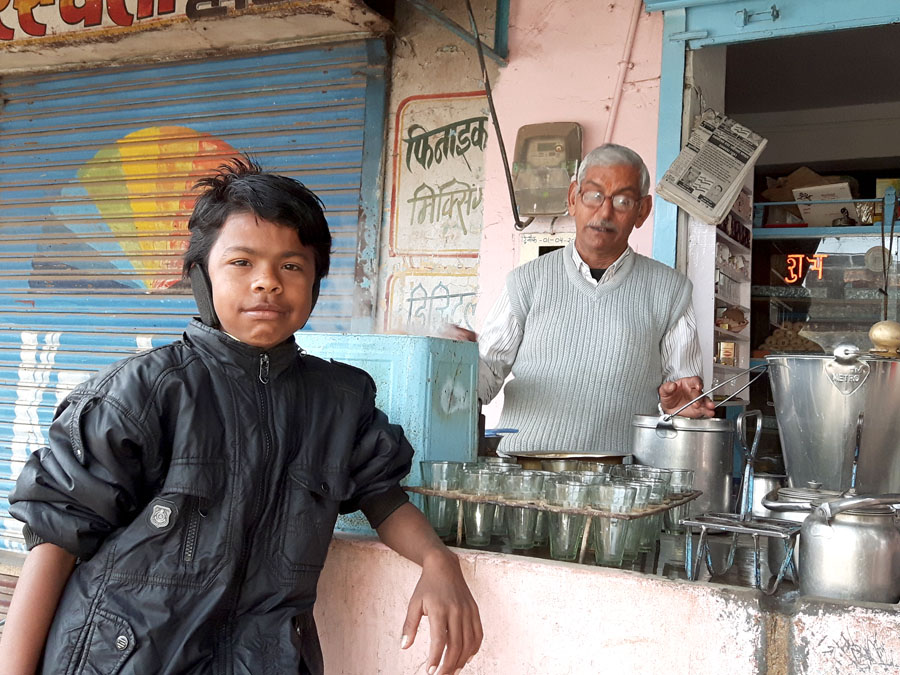 Chai wallah in Ramgarh