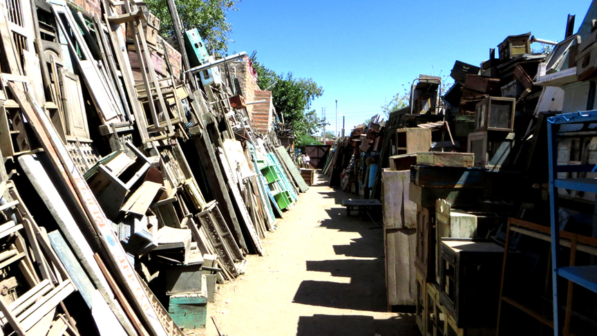 An upcycling yard – Scaramanga's treasure to be reused, recycled, and upcycled