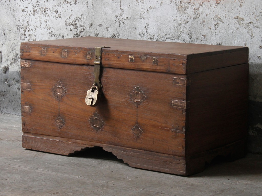 medieval chests and coffers