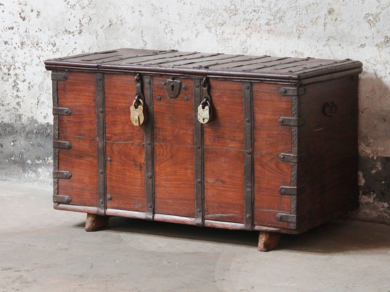 Old wooden chests trunks boxes antique storage for Storage treasures