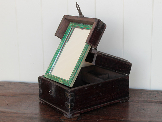 View our  Traditional Barber's Shaving Box from the   collection