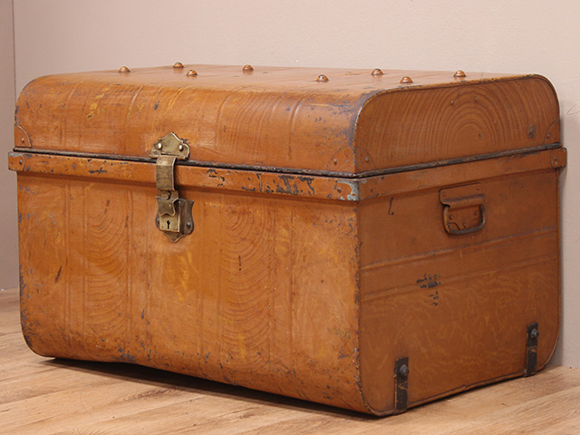 Vintage Colourful Metal Travel Case