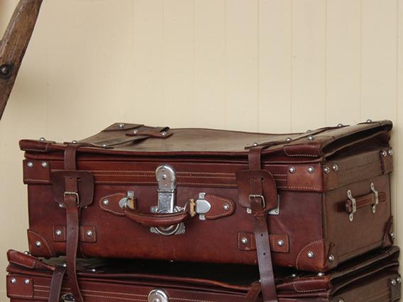 Vintage Leather Travel Suitcase - Medium (C)