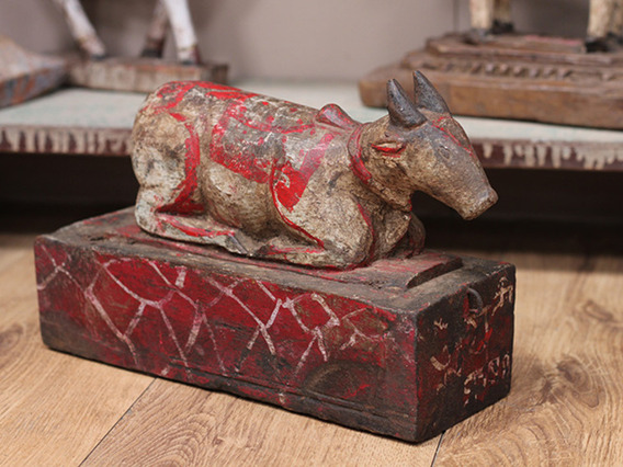 View our Women Vintage Temple Cow from the Women Sold collection