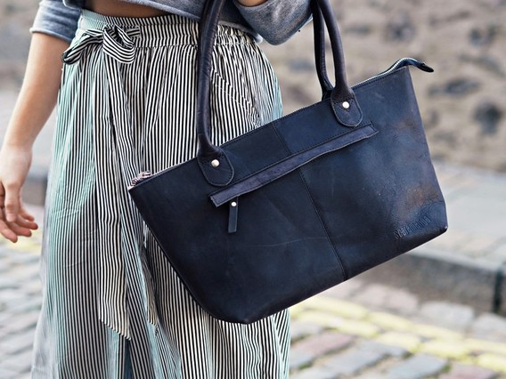 Black Leather Bella Handbag