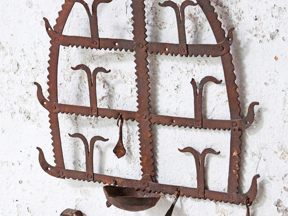 Traditional Diya Rack - Small Domed Toran