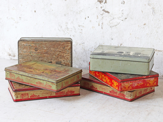 Colourful Old Storage Tin (Large/Places)
