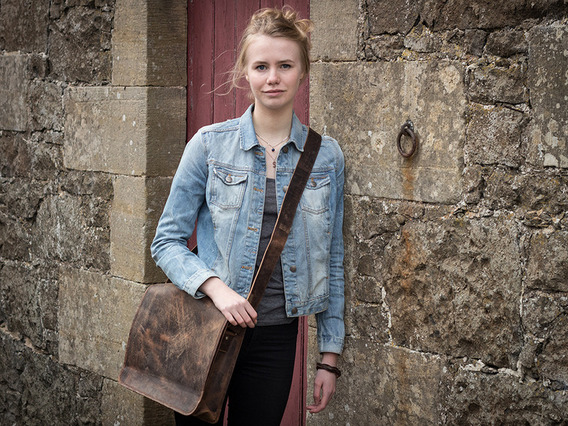View our Junior Boys And Girls Medium Leather Messenger Bag 15 Inch from the Junior Back to School/Uni collection