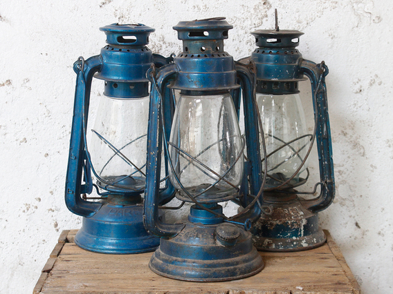 Old Blue Storm Lamp