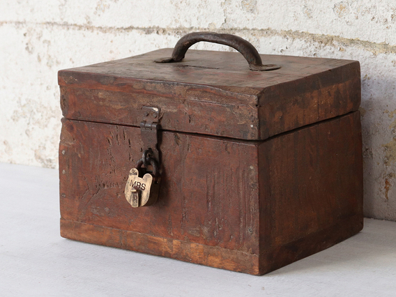 View our  Rustic Shabby Chic Box from the  Sold collection