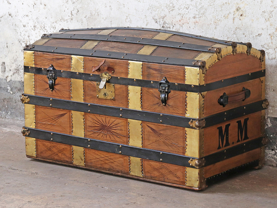 Antiques Nice Large Antique Old Fashioned Blue Cabin Trunk