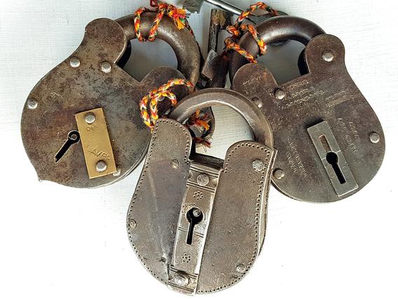 XXL Antique Iron Padlock