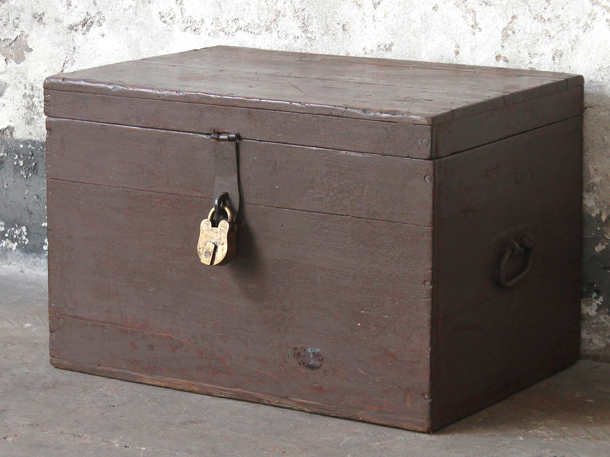 Wooden Chest Vintage Wooden Storage Chests Trunks Amp Boxes