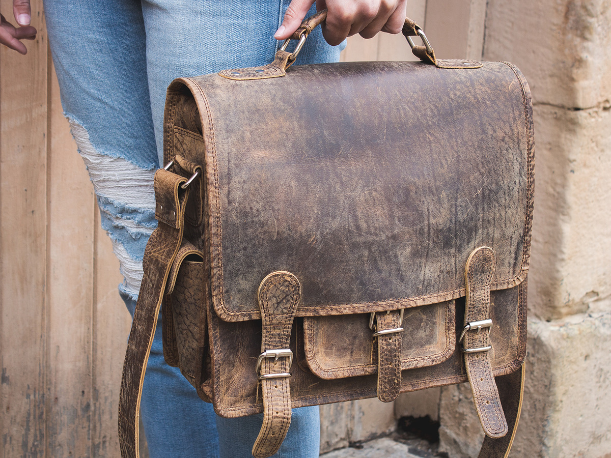 35abc26c25 Small Overlander Leather Bag 14 inch SATC12043