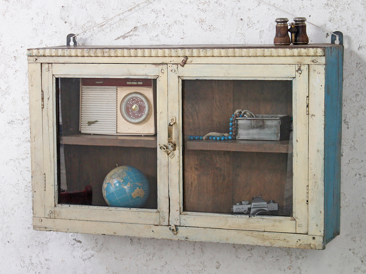Merveilleux Vintage Wall Cabinet