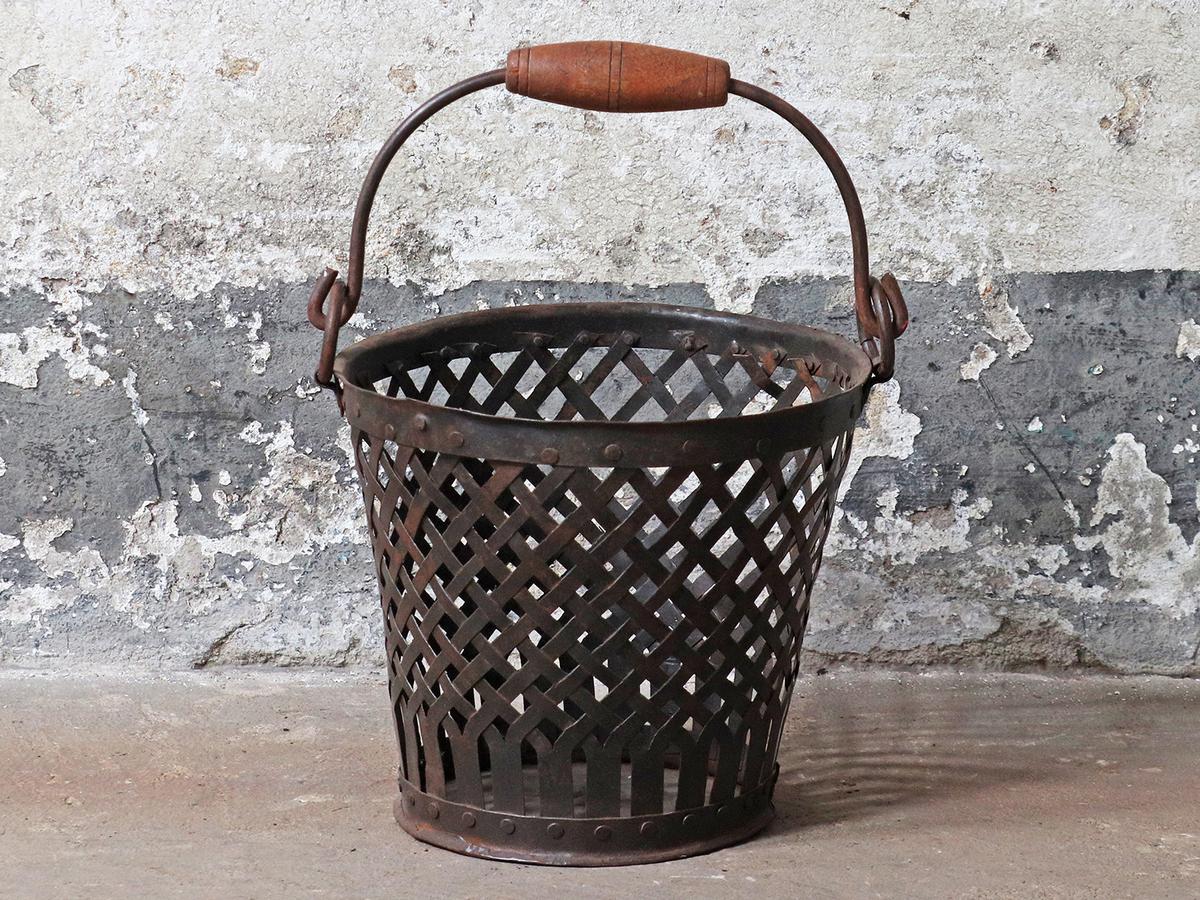 Vintage Style Wire Basket   Vintage Furniture
