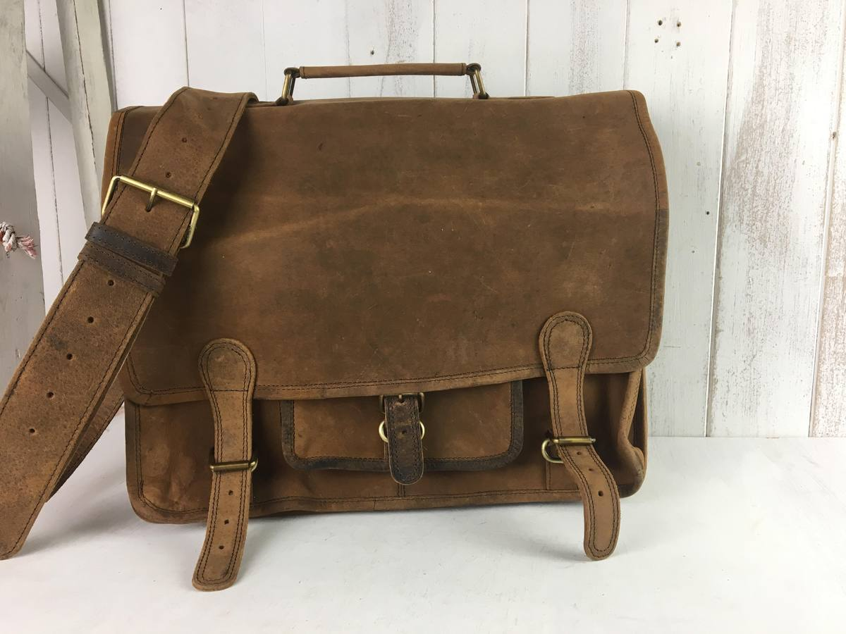 SECONDS Medium Overlander Leather Satchel 16 Inch - Seconds  amp ... 7ab46a540a5bc