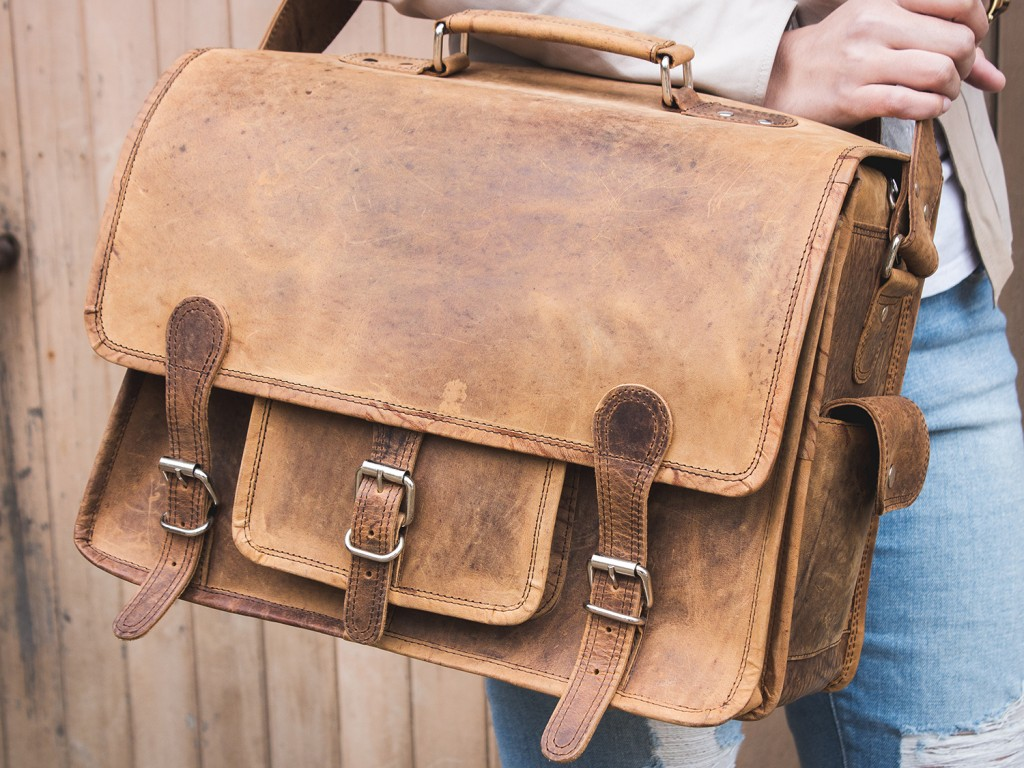 f89a620f3472 Medium Overlander Leather Satchel 16 Inch SATC12042