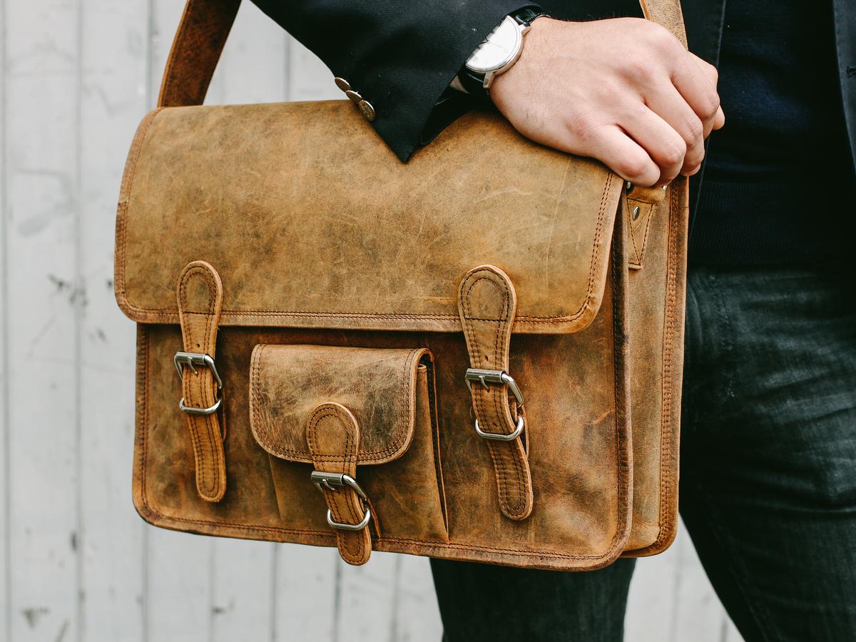 Medium Leather Satchel For Men With Pocket